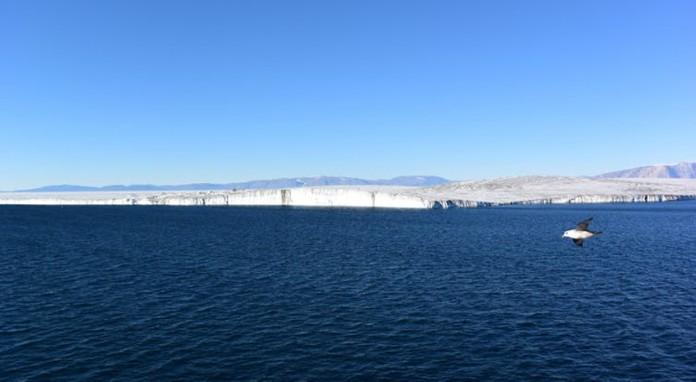Glaciar Nioghalvfjerdsbrae, en Groenlandia